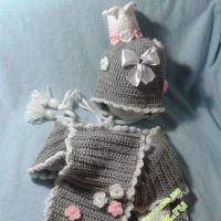 Комплект для девочки: шапочка и шарф