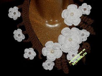 Вязаное крючком украшение на шею. Вязание крючком.