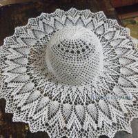 Вязаная крючком шляпа — работа Крапивиной Галины