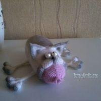 Вязаный крючком кот — работа Марины