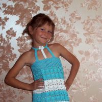 Вязаное крючком платье для девочки — работа Юлии
