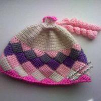 Вязаная шапочка — работа Наталии
