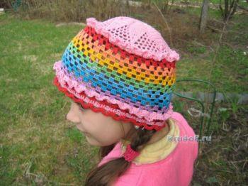 Вязаные шапочки – работы Любови Жучковой. Вязание крючком.