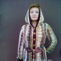 Пальто, связанное на вилке — работа Елены