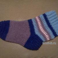 Вязаные крючком носки — работа Леры