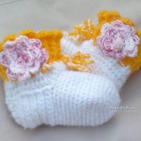 Вязаные крючком носочки — работа Лилии