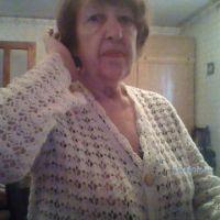 Вязаный крючком кардиган — работа Альбины Петровны