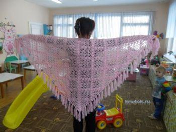 Розовая шаль — работа Ольги. Вязание крючком.