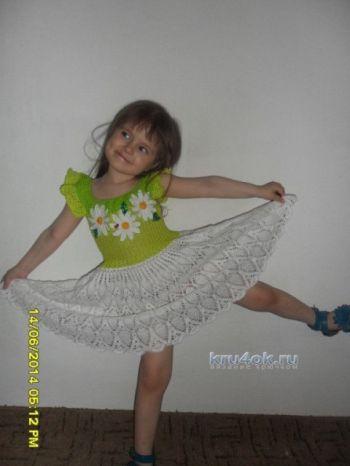 Платье для девочки работа Дианы. Вязание крючком.