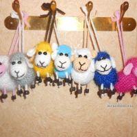Вязаные овечки — работы Анны