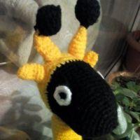 Вязаная крючком игрушка жираф
