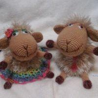 Вязаные крючком овечки — работы Натальи