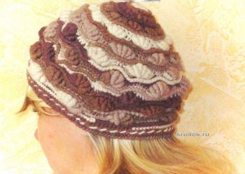 Вязаная женская шапочка «Шоколадные ракушки»