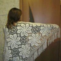 Вязаные шали — работы Ольги