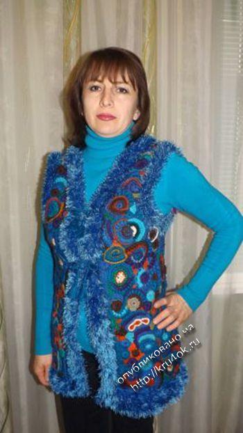 Теплый жилет в технике фриформ – работа Ирины Стильник. Вязание крючком.