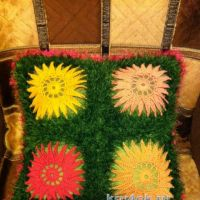 Вязаный чехол для подушки — работа Надежды