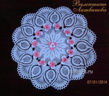 Вязаная крючком салфетка — работа Валентины Литвиновой. Вязание крючком.