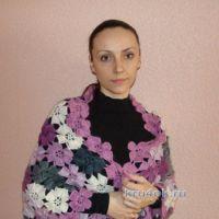 Вязаная шаль из цветочных мотивов — работа Евгении Руденко