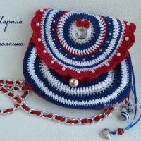 Вязаная сумочка для девушки — работа Марины Стоякиной