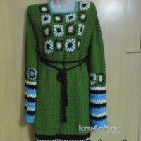 Вязаное крючком платье с мотивами бабушкин квадрат