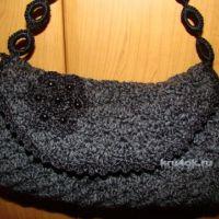 Вязаная сумочка — работа Евгении Руденко