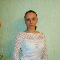 Вязаный пуловер — работа Евгении Руденко