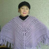 Вязаное крючком пончо. Работа Галины Коржуновой