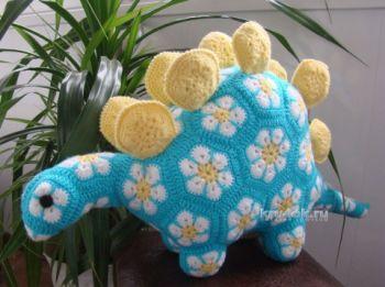 Динозавр из мотивов Африканский цветок. Вязание крючком.