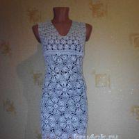 Женское платье крючком. Работа Нины