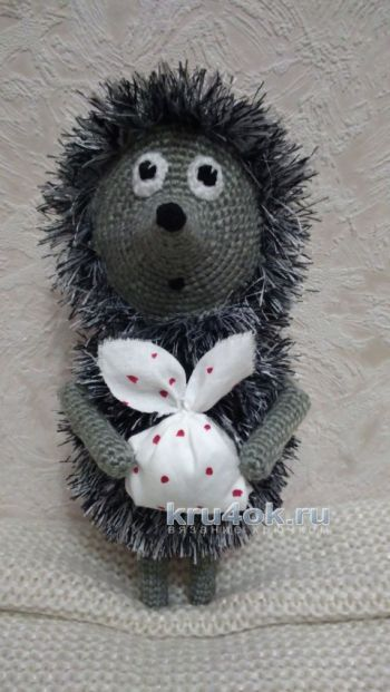 Crochet toy Hedgehog in the fog, the work of Xenia