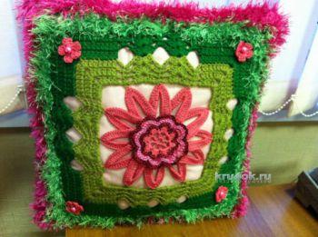 Вязаная крючком подушка Весна от Надежды Борисовой