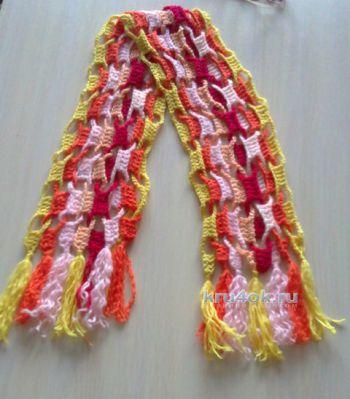 Радужный шарфик крючком. Работа Любови Волковой. Вязание крючком.
