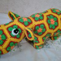 Бегемот из мотивов Африканский цветок крючком. Работа Ксении