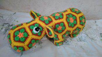 Бегемот из мотивов Африканский цветок крючком. Работа Ксении. Вязание крючком.