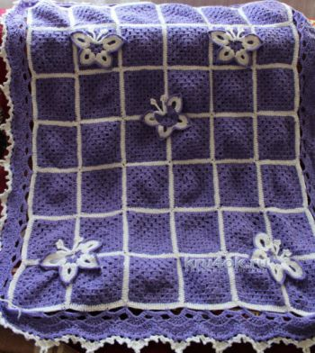 Вязаный крючком плед из мотивов бабушкин квадрат. Работа Надежды