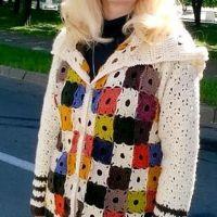 Вязаное крючком пальто. Работа Елены