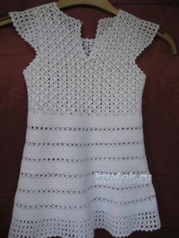 Платье для девочки крючком. Работа Ирины