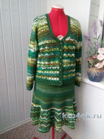 Костюм крючком Весенняя Зелень. Работа Ксюши Тихоненко. Вязание крючком.