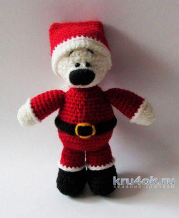 Новогодняя игрушка Мишка – Клаус. Работа Екатерины Алешиной. Вязание крючком.