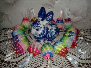 Пасхальное яйцо с бантиками. Работа Фланденой Татьяны. Вязание крючком.