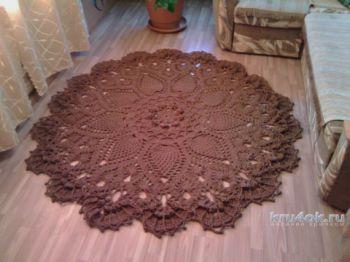 Круглый коврик крючком, работа Натальи Селивановой