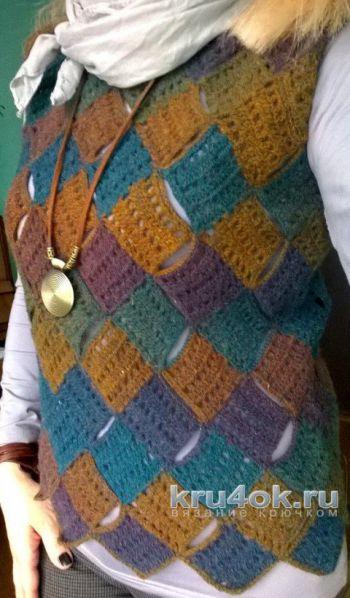 Жилет, связанный крючком в технике пэчворк. Работа Елены Шевчук. Вязание крючком.