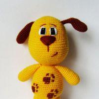 Игрушка собачка крючком. Работа Екатерины Алешиной