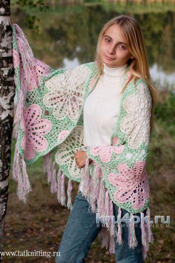 Вязаная шаль с цветами. Работа Татьяны Родионовой. Вязание крючком.
