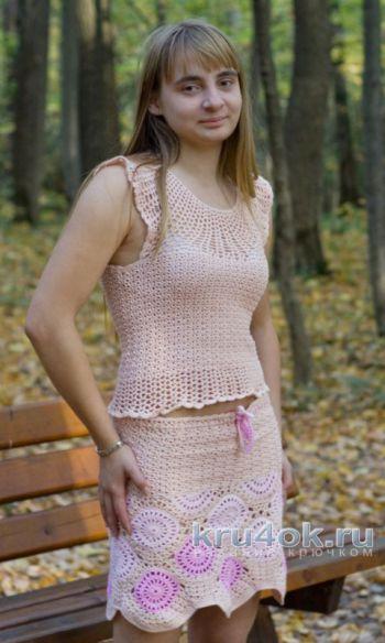 Розовый топ на круглой кокетке. Работа Татьяны Родионовой. Вязание крючком.