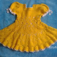 Платье для девочки крючком. Работа Марии