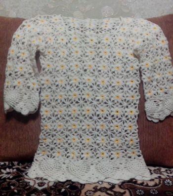 Женский пуловер из ромашек крючком. Работа Ирины Колотуша. Вязание крючком.
