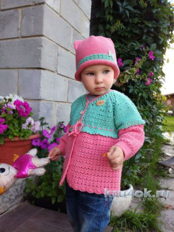 Комплект Киска: кофточка и шапочка для девочки на 2 года. Вязание крючком.