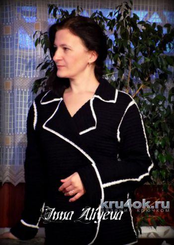 Женский костюм крючком из полушерсти. Работа Inna Aliyeva. Вязание крючком.
