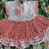 Платье для девочки крючком. Работа Катерины Петяниной